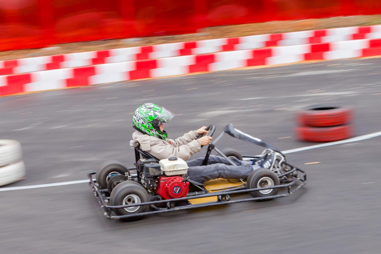 Все по-взрослому: в Верхней Пышме открылась школа будущих гонщиков