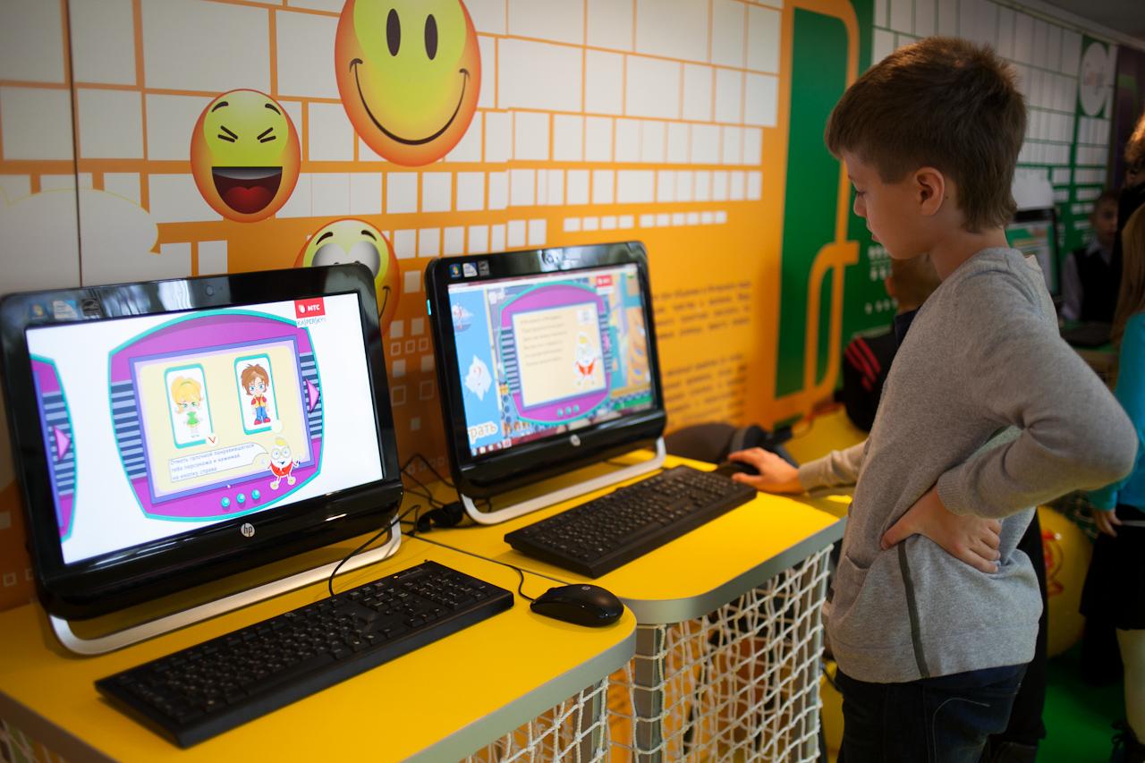 Дети в интернете: уральским школьникам дали невредные советы