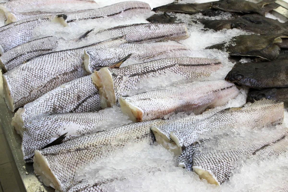 РФ ограничила поставки эстонского молока и рыбы