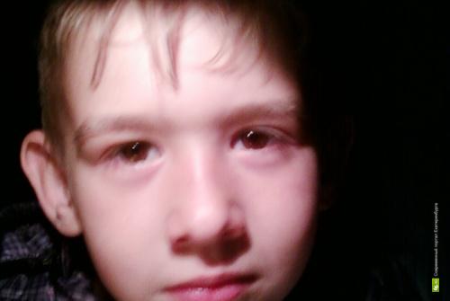 Мальчик, найденный на свердловской трассе, уехал домой в Петербург