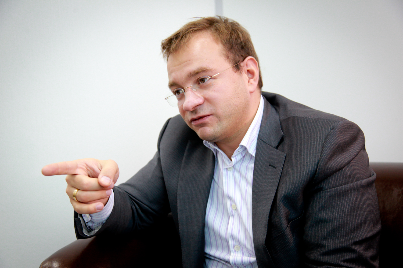 Вячеслав Трапезников: «Вы хотите, чтобы жилье строили только три компании?»