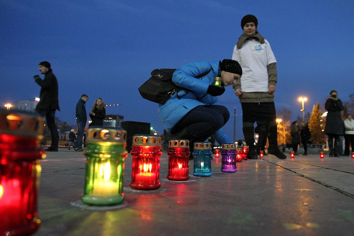 На Плотинке зажгли лампады в память о неродившихся детях