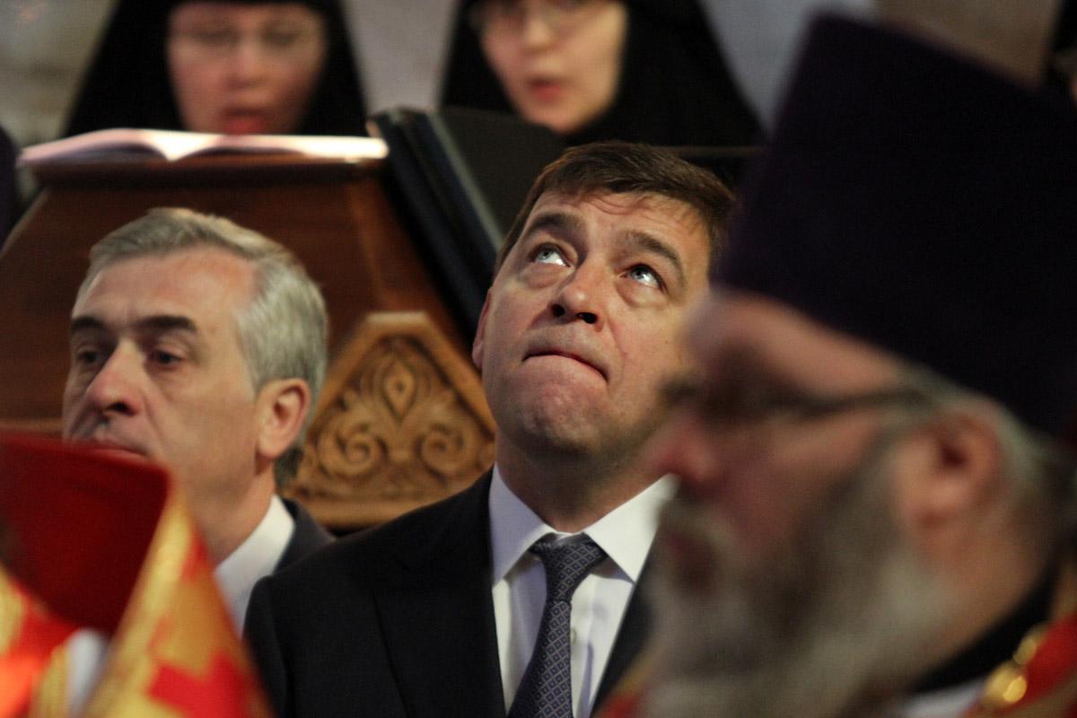 На соцопросе о выборных перспективах Куйвашева областные власти освоят 1,8 млн рублей