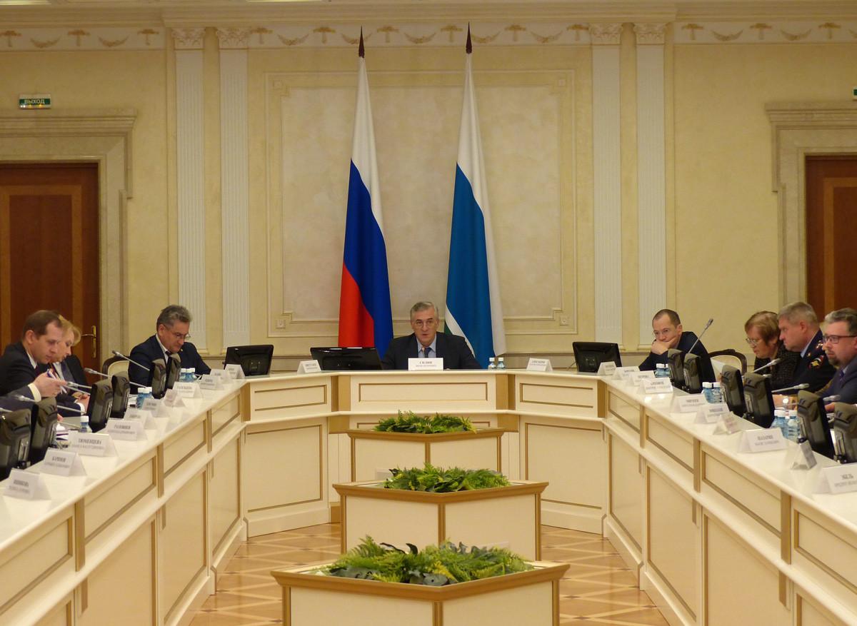 Свердловские власти будут адаптировать мигрантов на Урале