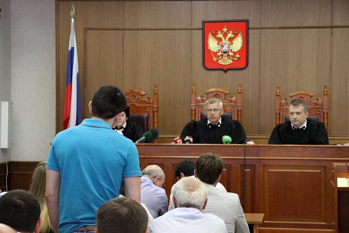 Суд удалил из зала главного обвиняемого по делу о нападении на Сагру