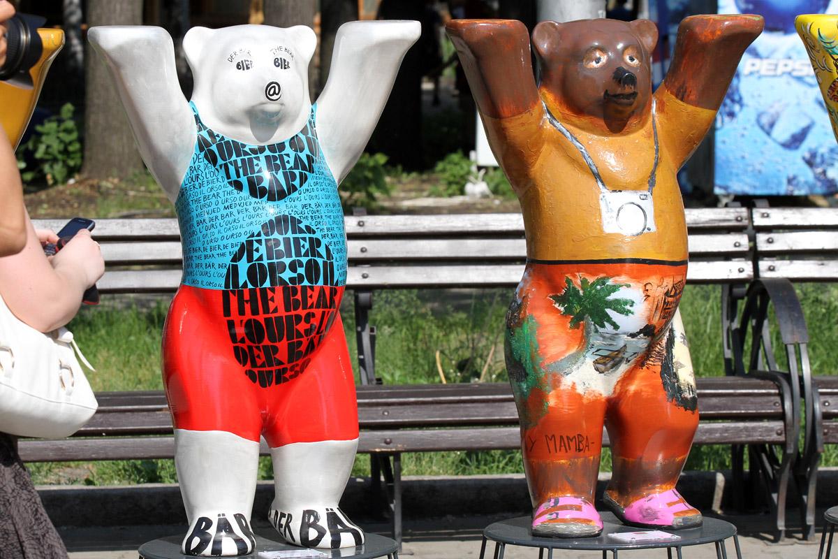 В ЦПКиО открылась выставка берлинских мишек