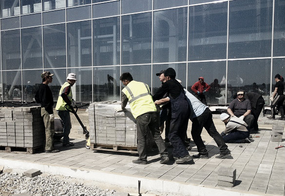 47 дней до «Иннопрома»: 300 строителей, 6 чиновников и 1 фермер