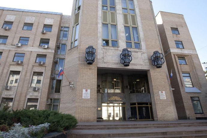 Путин предложил депутатам слить суды