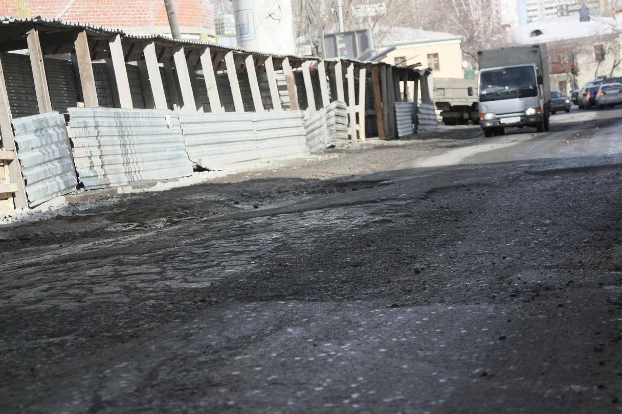 Эксперты: только половина дорог в городе сохранилась «более-менее»