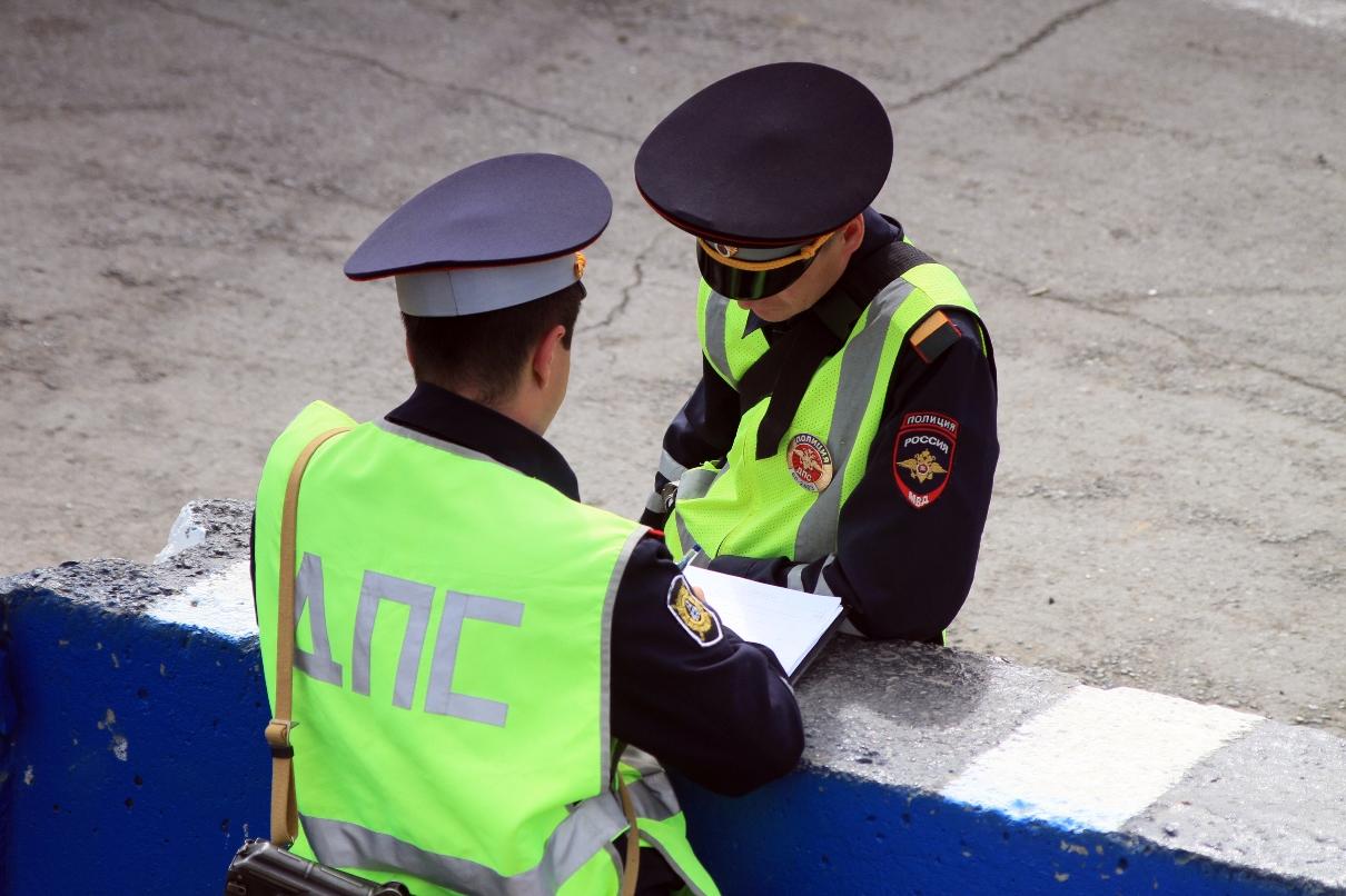 Вылетел на встречку: в ДТП из трех авто под Екатеринбургом погибли две девушки