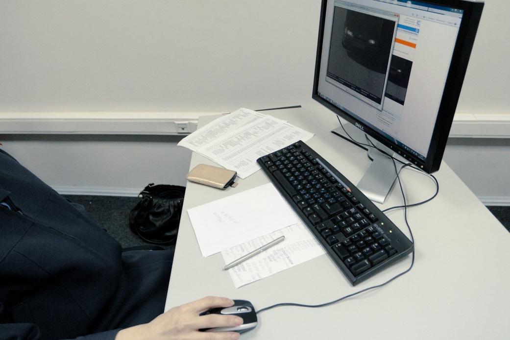 Дизайнеры учат чиновников пользоваться фотошопом для фальсификаций