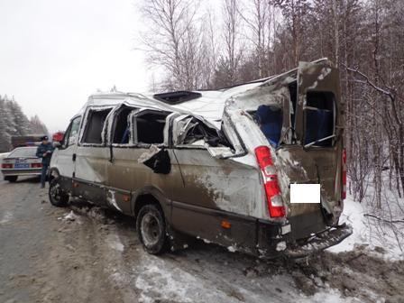 Маршрутка с пассажирами перевернулась на Серовском тракте