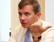 Полпредство обвинило экс-министра Максимова в провале инвестпрограмм