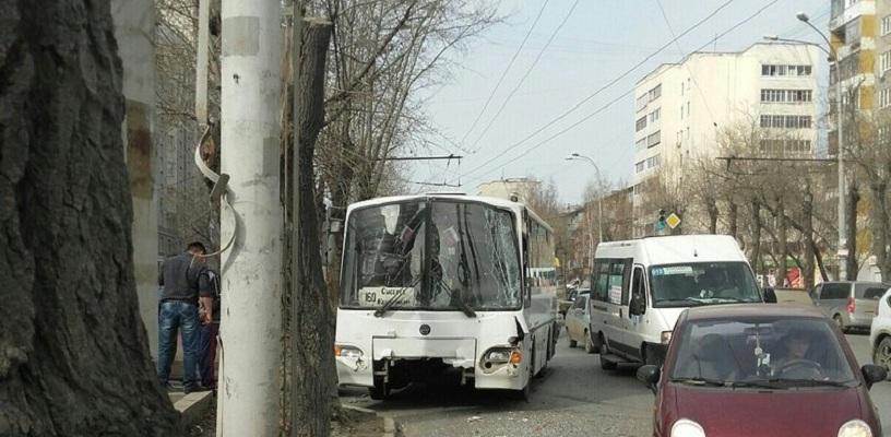 snyal-prostitutku-na-shorsa-ekaterinburg