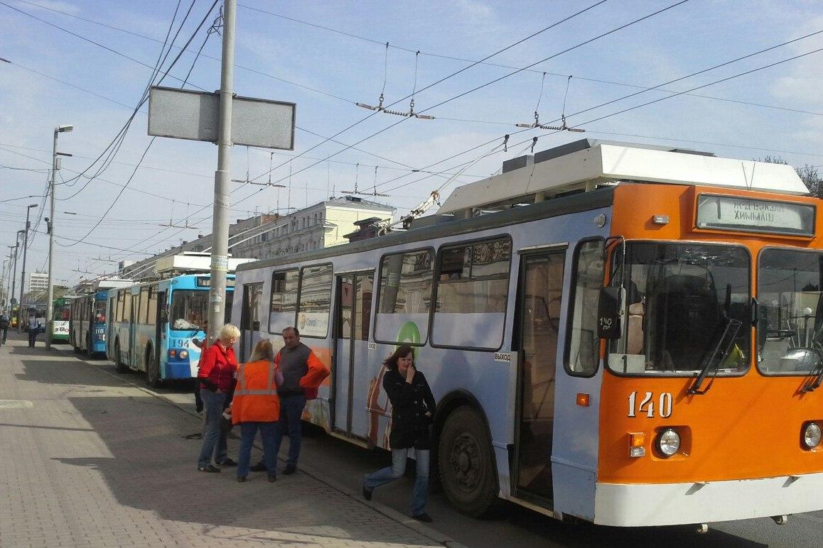 В Екатеринбурге две женщины получили травмы в троллейбусе