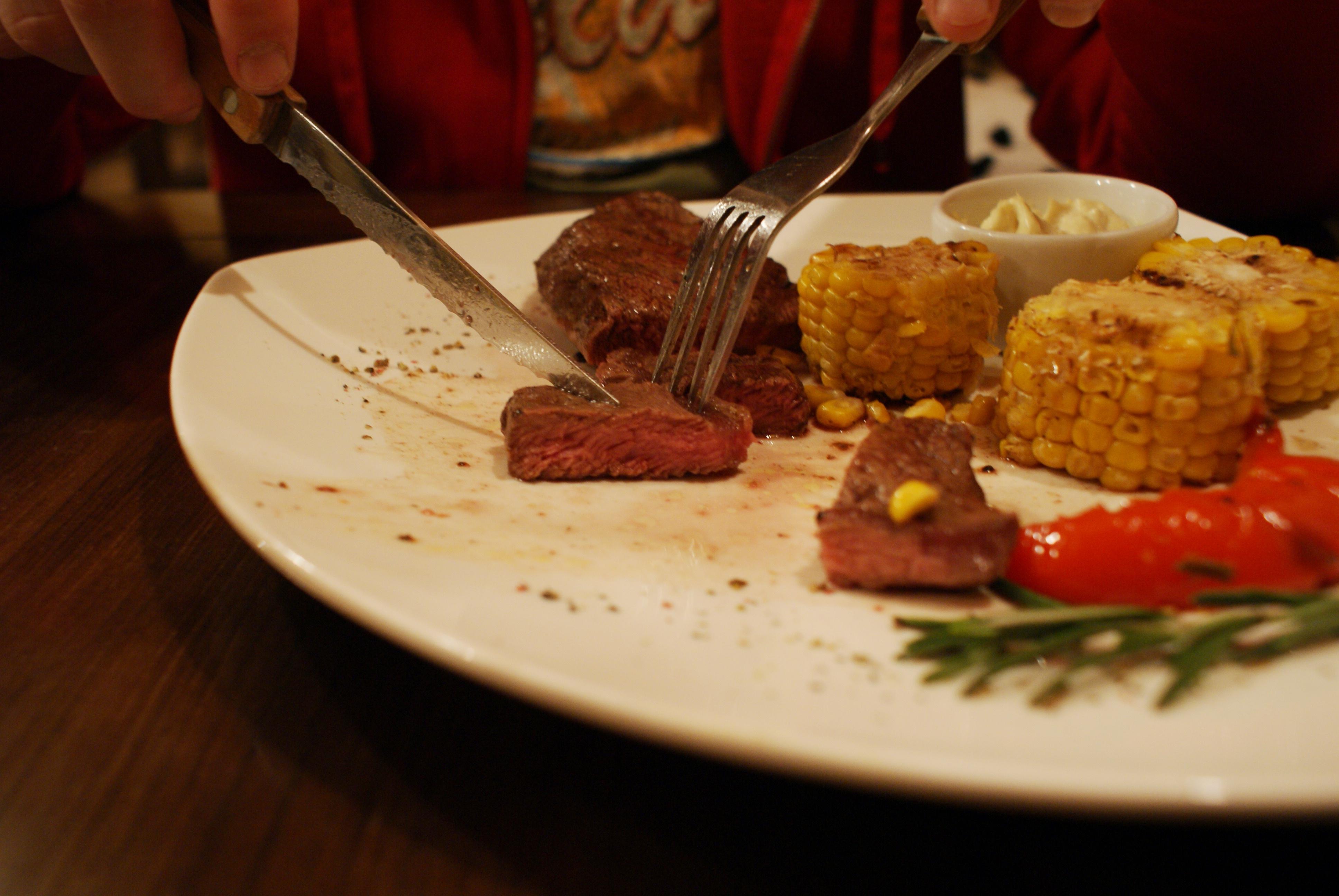 Вкусовщина: ужин по-уралмашевски в «Жадине-говядине»