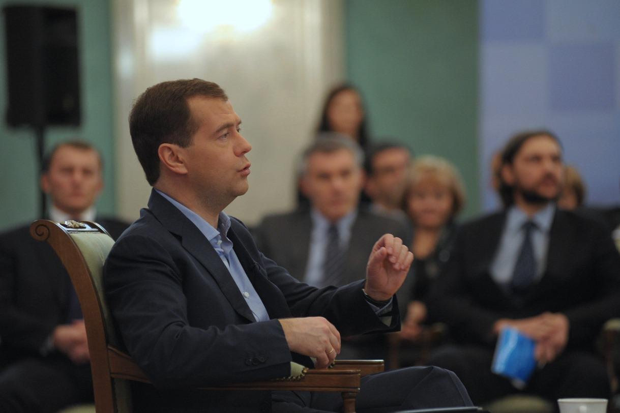 Дмитрий Медведев придумал замену налогу с продаж