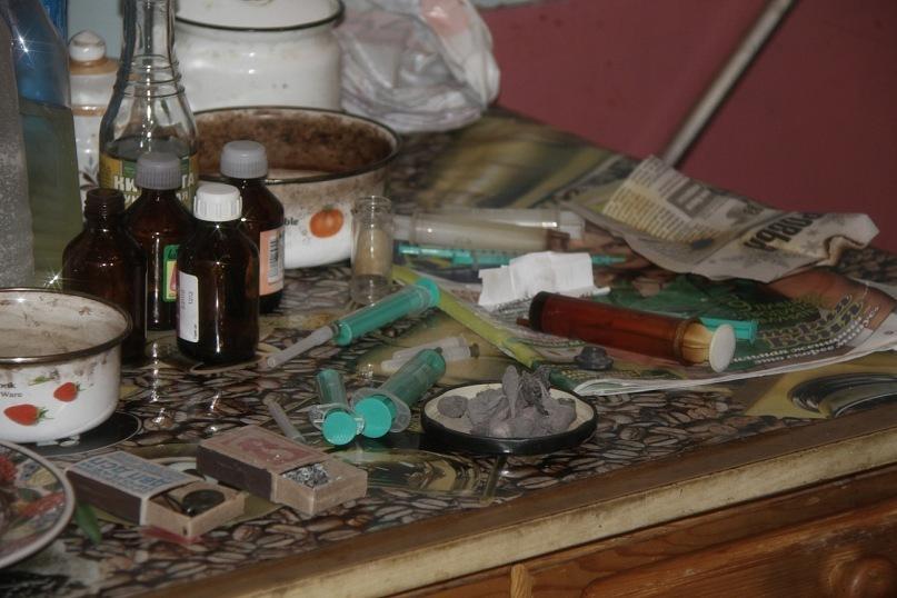 Российские наркоманы совершают более миллиарда преступлений ежегодно