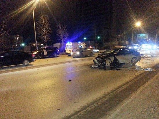 На улице Ткачей столкнулись семь автомобилей