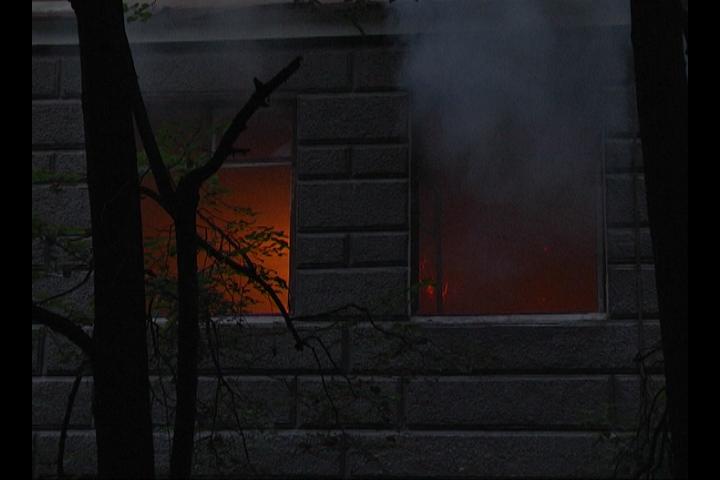 И снова в заброшенной больнице в Зеленой роще полыхал пожар