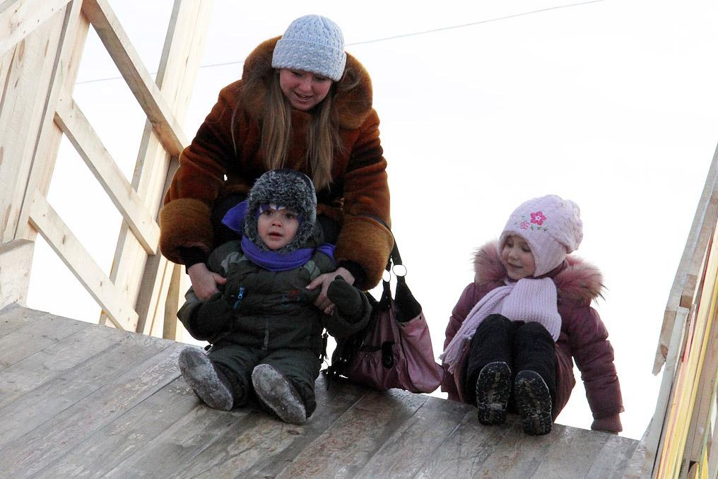 «Законопроект Ленивцевой» принят: за приемных детей будут платить больше