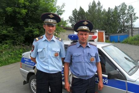 Инспекторы ДПС на Серовском тракте помогли роженице