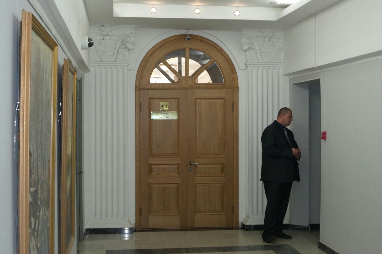 В кабинете у Ройзмана — обыски по делу депутата Олега Кинева