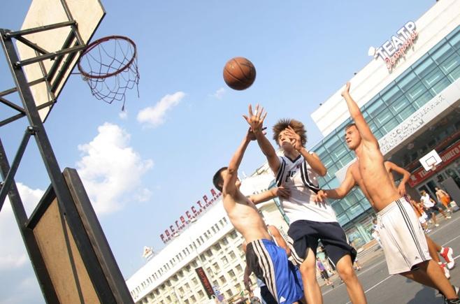 Любителей стритбола приглашают сыграть в «Оранжевый мяч»