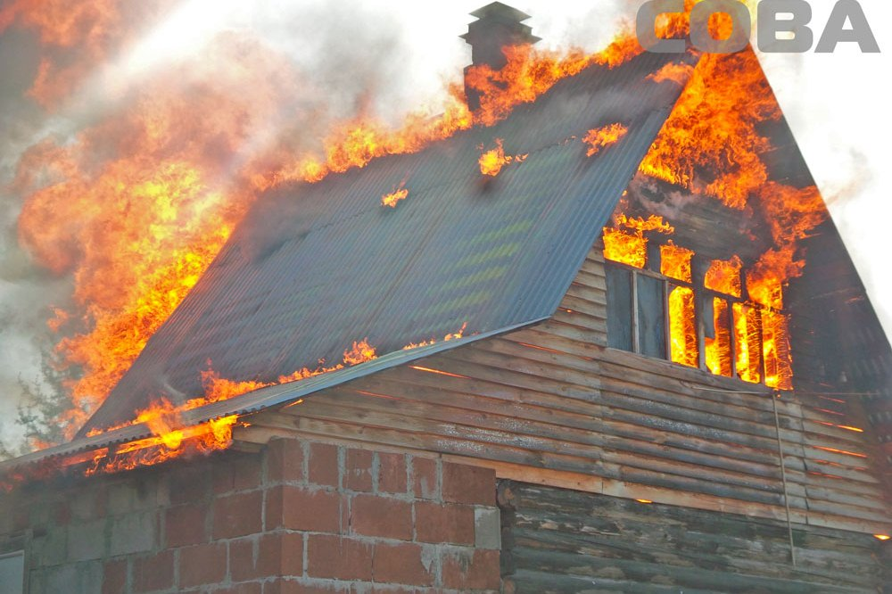 Пожилая екатеринбурженка жгла на даче траву, а сожгла баню и два дома
