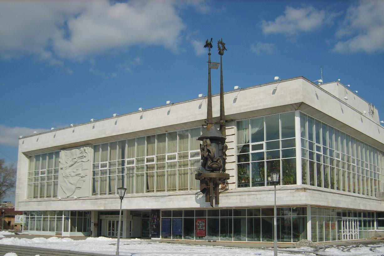 Три екатеринбургских театра и один музей поделят 20 млн от губернатора