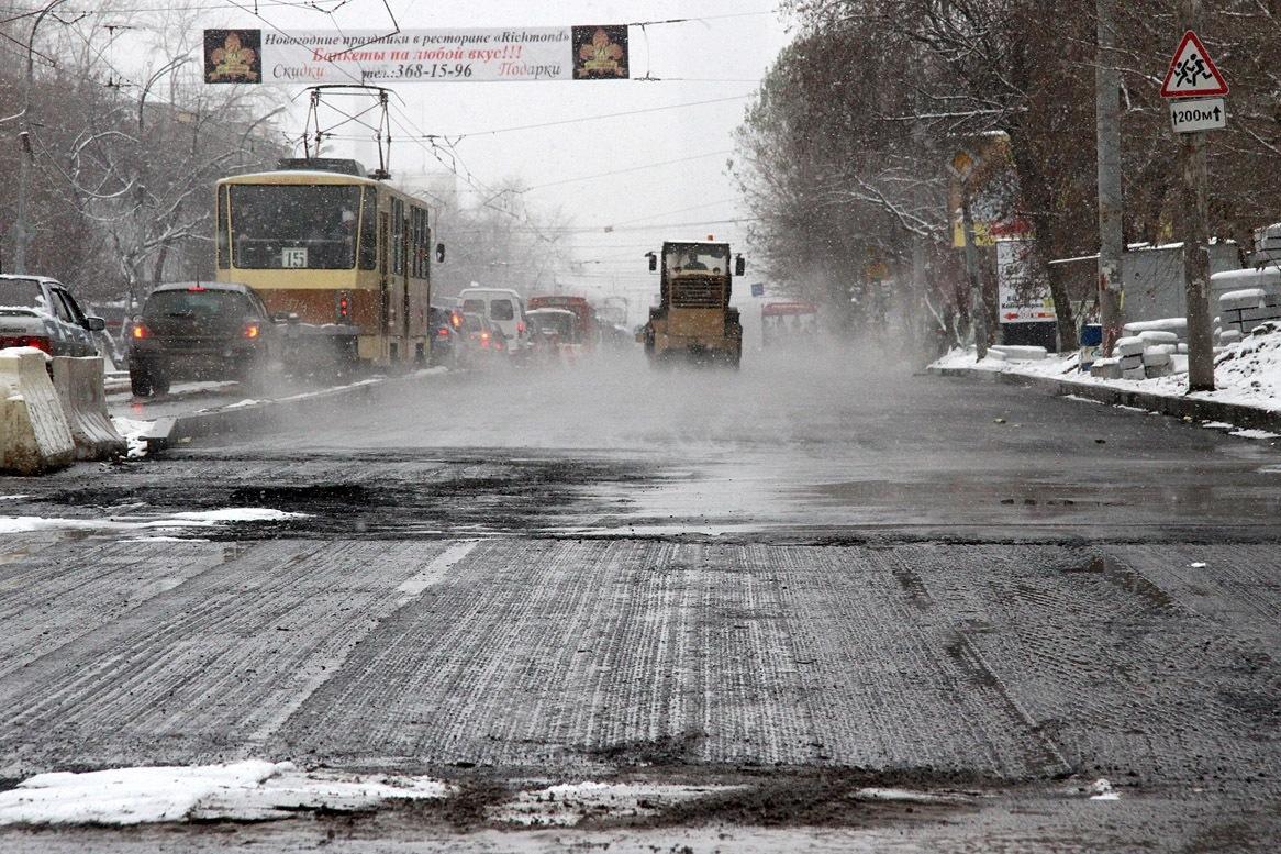 Область перекраивает дорожные бюджеты. Претендент на 7 млрд рублей — бракодел со Степана Разина