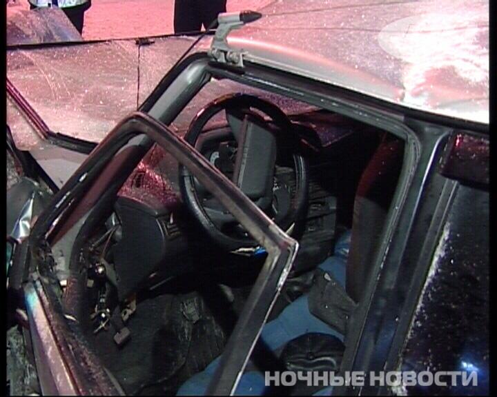 В лобовом столкновении на Машиностроителей пострадали 3 человека