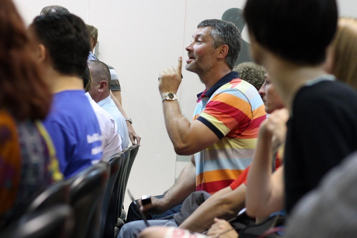 Ройзману предлагают решить вопрос с особняком на Белинского в комнате примирения