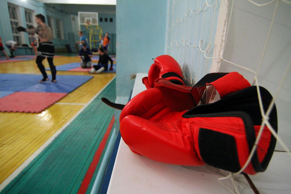 Патриотизм с кулаками: чему нас научили в бойцовском клубе на Первомайской?