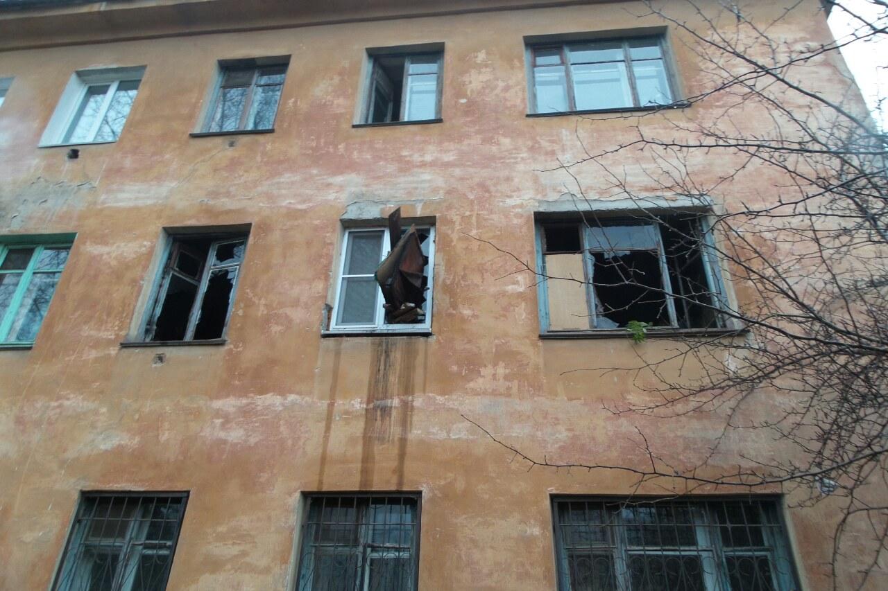 «Алкоголики тут жили». В Пионерском поселке квартира сгорела вместе с хозяевами