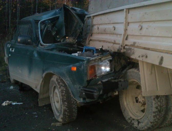 На Новомосковском тракте водитель уснул за рулем и погиб