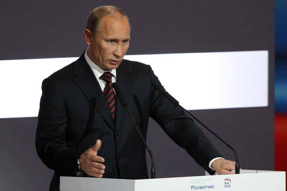Путин пообещал развивать оружие, но не втягиваться в гонку вооружений