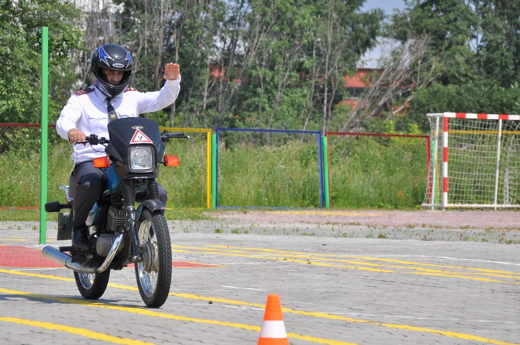 ГИБДД Екатеринбурга примет экзамен в парке