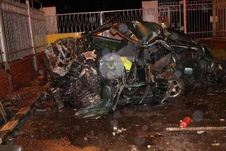 В аварии в Лесном погибли два человека, врезавшись в ворота КПП