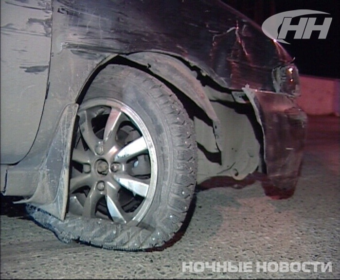 На ЖБИ иномарка сбила сотрудника ДПС