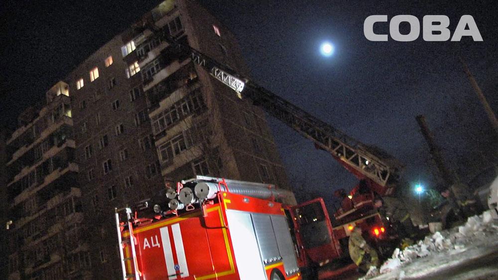 Людей выводили по пожарным лестницам: в многоэтажке на Шефской загорелись лифты