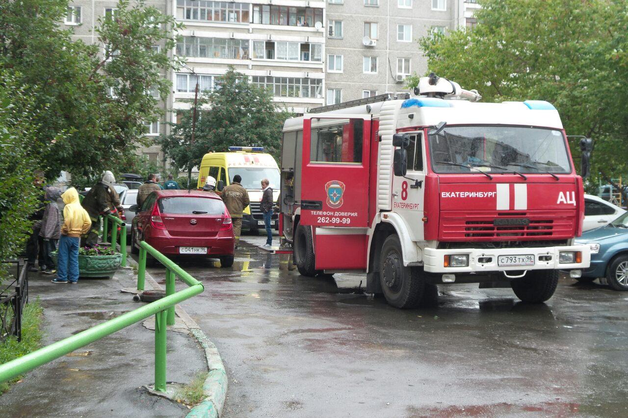 Во время пожара на Шварца пожилой мужчина насмерть задохнулся в дыму