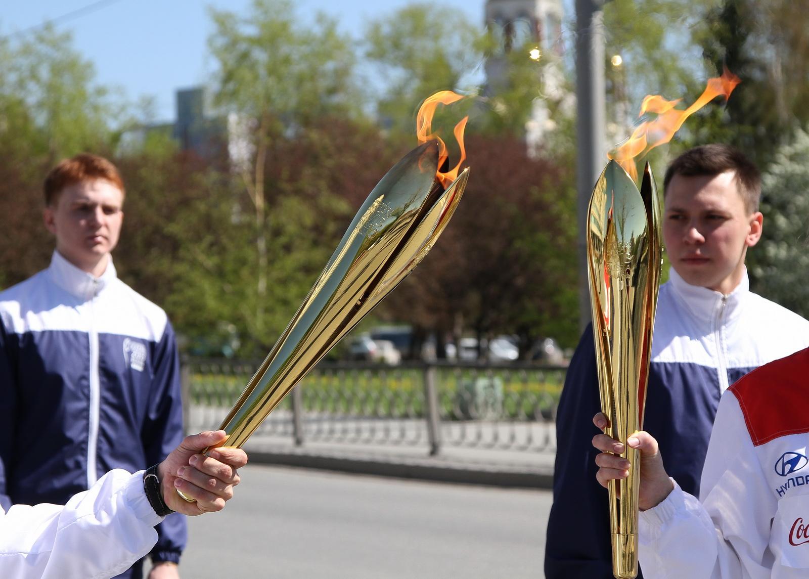 Фоторепортаж 66.ru: огонь Универсиады привезли в Екатеринбург