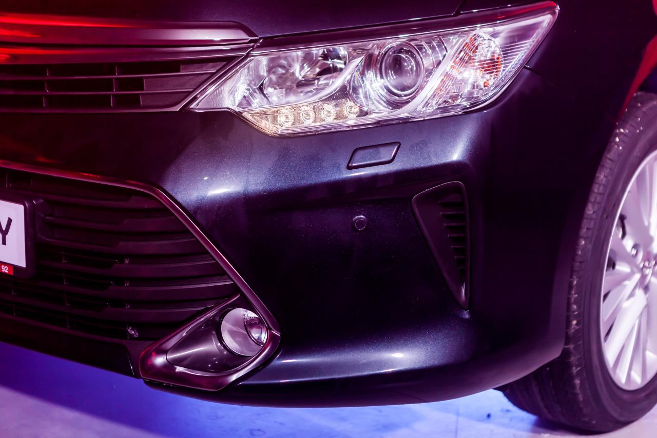 Плюс два литра: обновленную Toyota Camry привезли в Екатеринбург