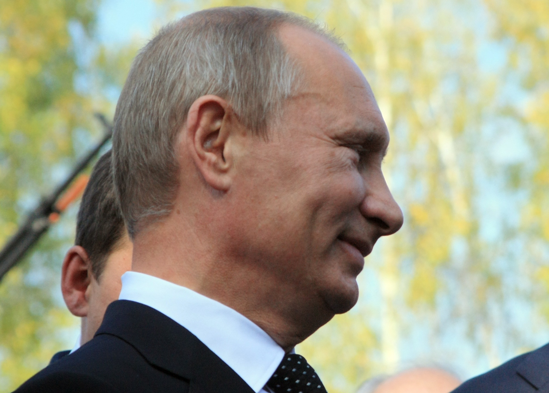 Путин запретил материться в СМИ