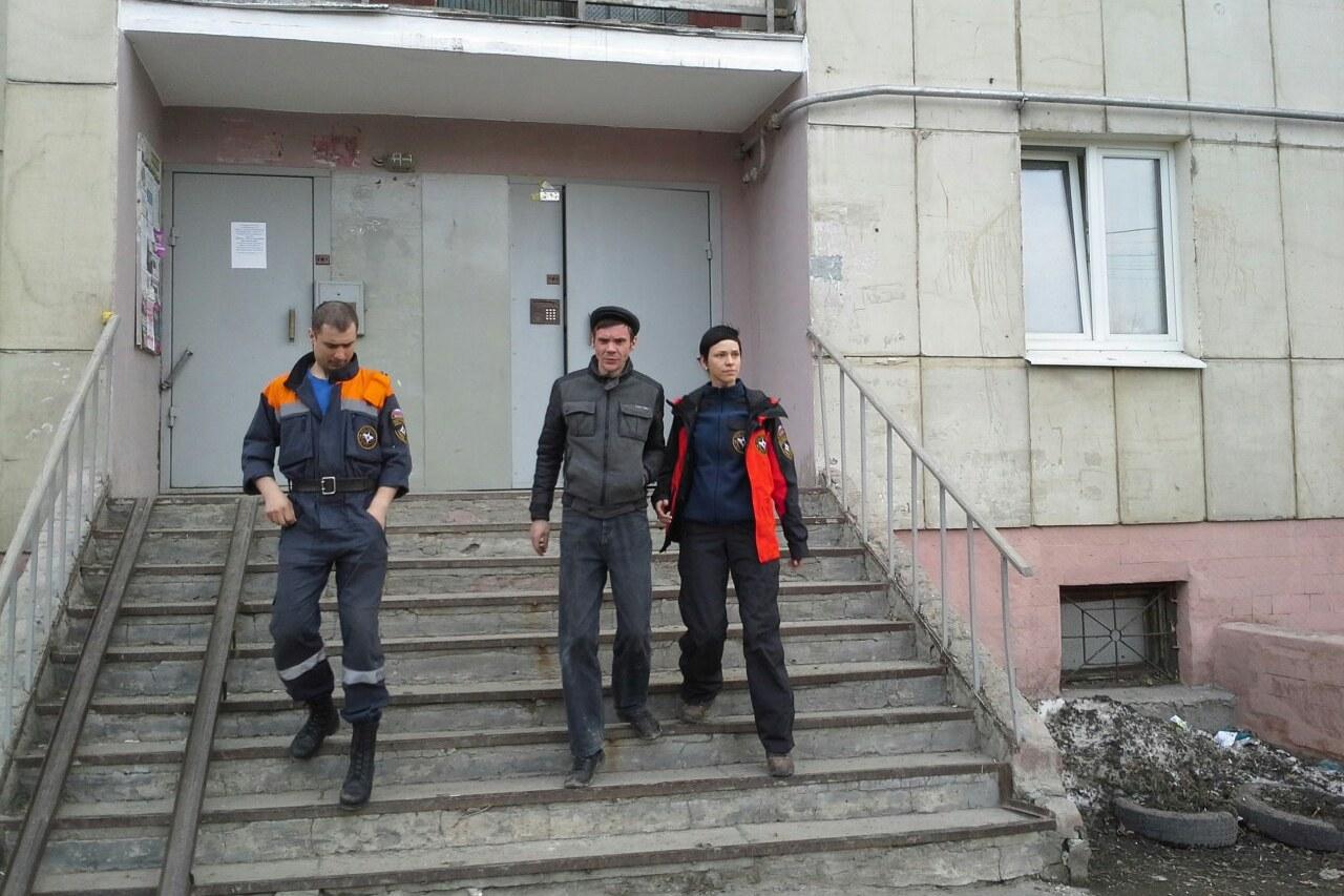 Суицидника-неудачника с Московской забрали санитары