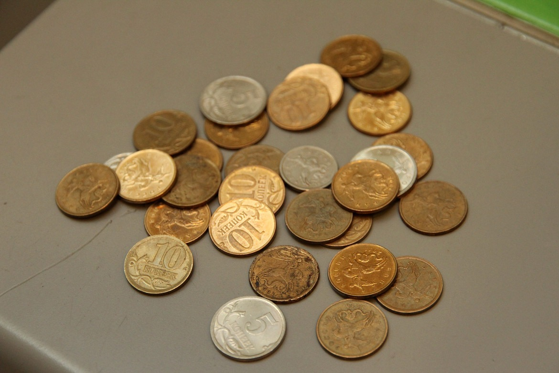 Минтруд: зарплаты россиян упали на 8%