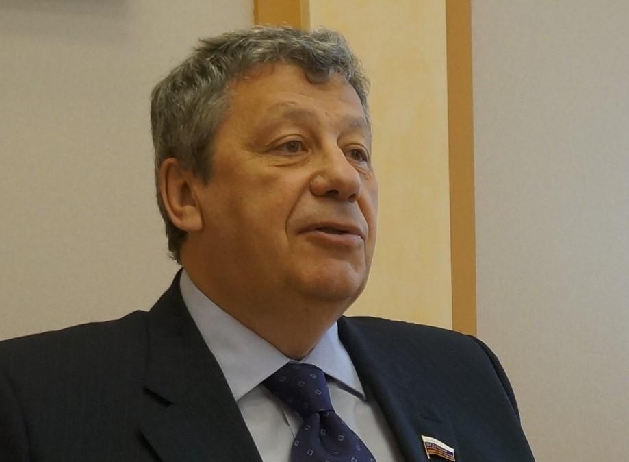 Аркадий Чернецкий: «У нас с Александрами все в порядке»