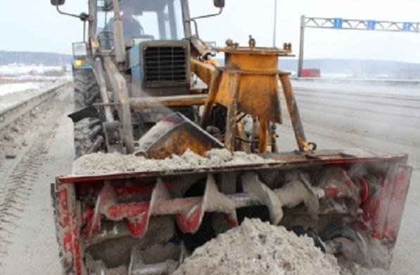 Ликвидировать снежные завалы на севере Свердловской области будут круглосуточно