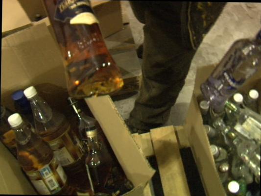 В Екатеринбурге изъяли 117 000 бутылок поддельного алкоголя